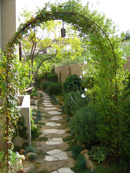 Side Yard Makeover By Shirley Bovshow Of Edenmakersblog Com